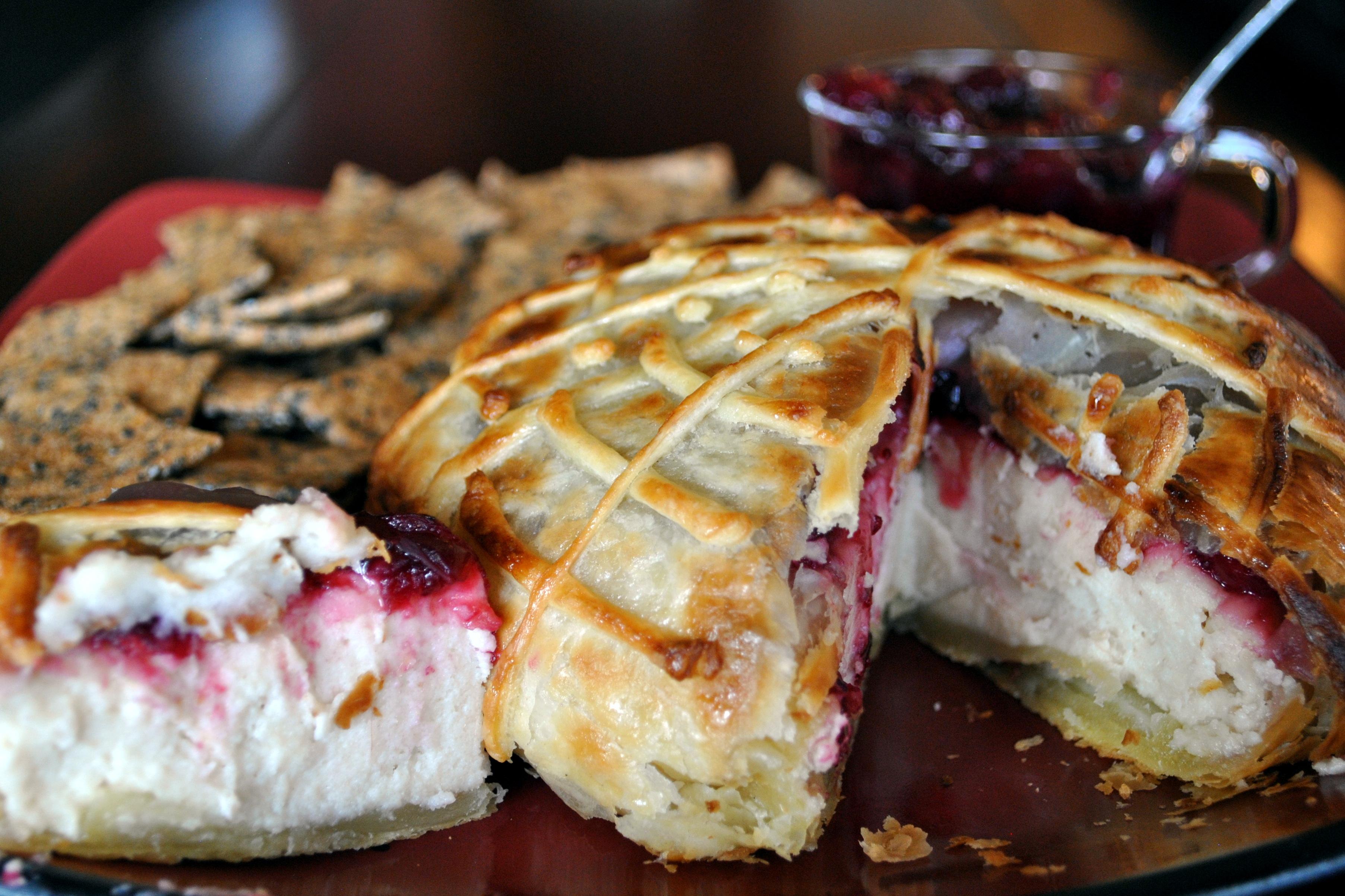 ... Potluck – Spooky Vegan Macadamia Nut Brie en Croute | Vedged Out