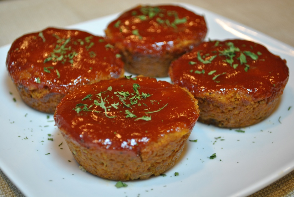 """Mini Vegan """"Meat"""" Loaves: http://vedgedout.com/2012/12/10/mini-meat-loaves/"""