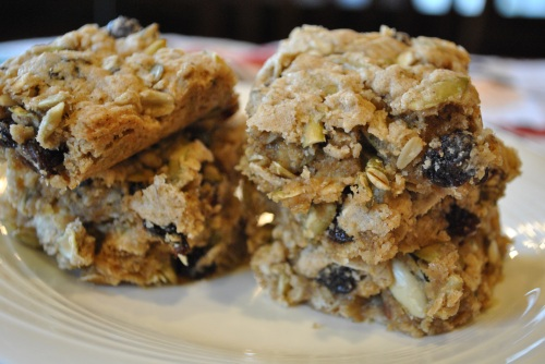 Pepita Oatmeal Raisin Cookie Bars