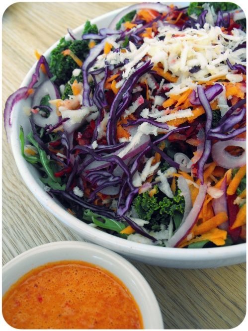 rainbow-kale-salad-vegan-orange-red-pepper-dressing (1)